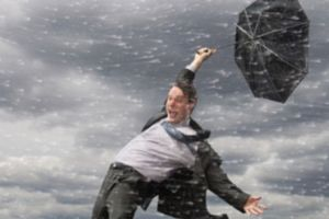 Silný vítr během sprchy - vaše pozice je nestabilní